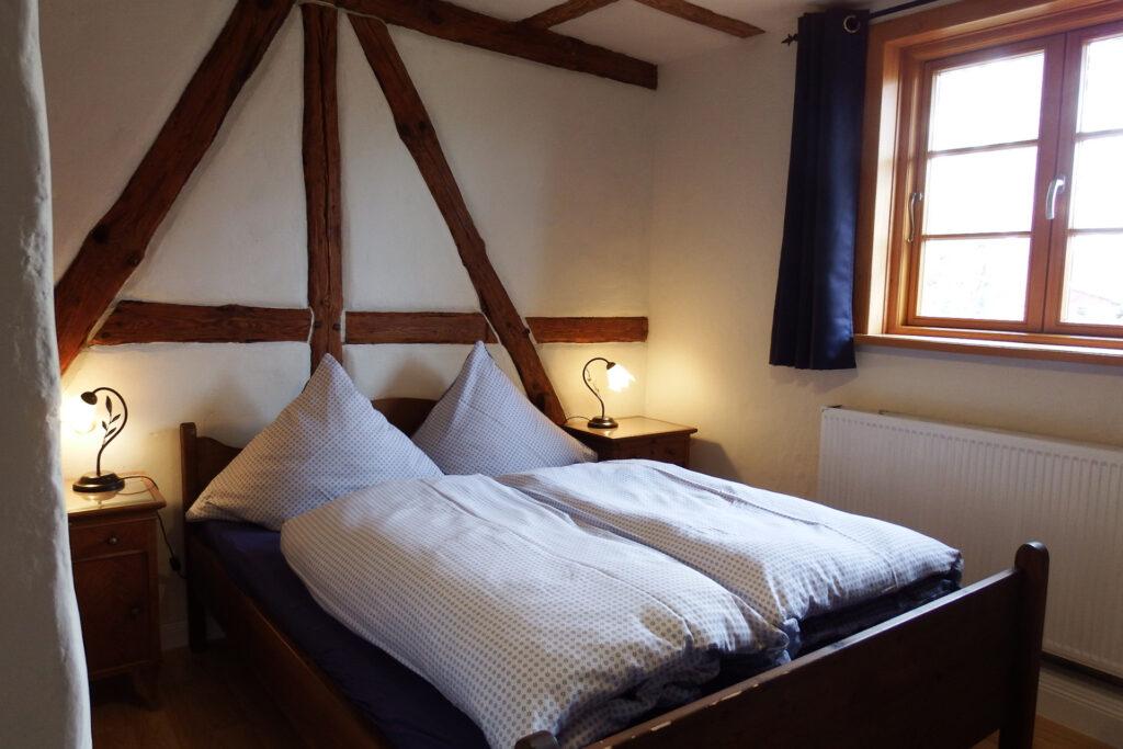 Schlafzimmer 1 mit Doppelbett 1,50m
